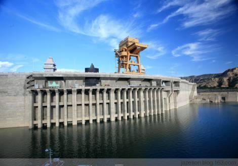 从哪些方面选择陕西建筑资质代办机构
