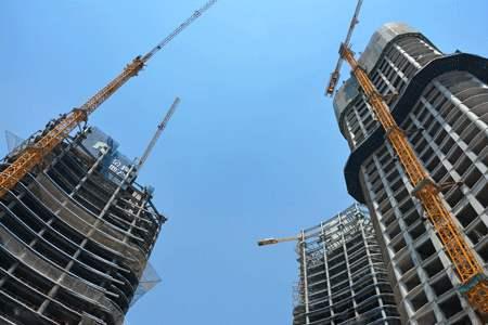 建筑企业首次办理施工资质证书的注意事项有哪些?